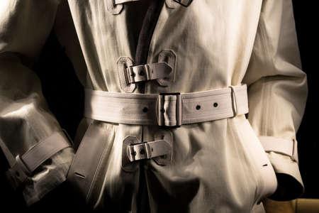 undercover: Undercover Cop Retro-Style Trench Coat Archivio Fotografico
