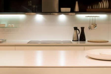 現代的なキッチンの作業面