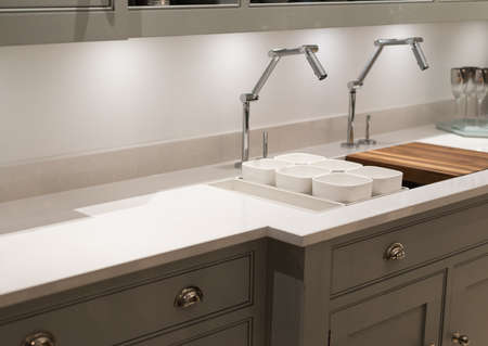 Modern and Contemporary Kitchen with Avant- Garde Faucet Taps Standard-Bild