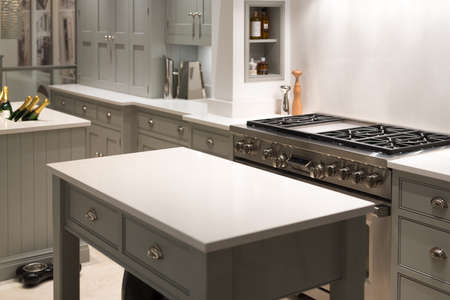 kitchen cabinet: Modern and Contemporary Kitchen with Gas Stove