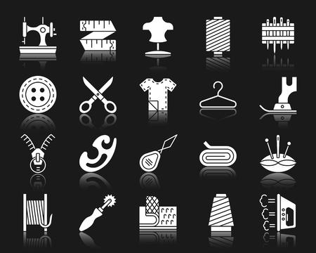 Set di icone di glifo accessori per cucire. Kit segno isolato della moda. La raccolta di pittogrammi da ricamo include metro a nastro, manichino, filo. Simbolo di cucito semplice con riflessione. Forma dell'icona di vettore bianco