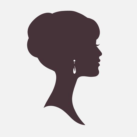 perfil de mujer rostro: Mujer silueta de la cara con el peinado con estilo Vectores