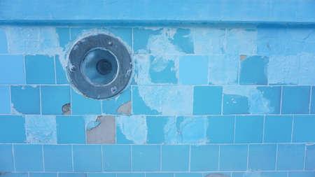 close-up of abandoned pool light Foto de archivo - 150119896