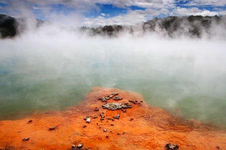 ebollizione acque in Nuova Zelanda, champange lago