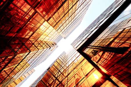 Moderne gratte-ciel de verre perspective dans la ville Banque d'images
