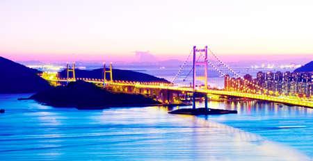 ma: Tsing Ma Bridge, Hong Kong.