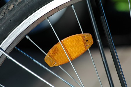 reflector clipped on spokes