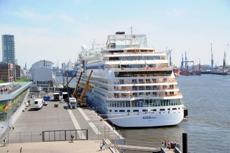 Aidamar in Hamburg, 2012-05-26