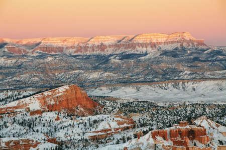 bryce: Bryce canyon panorama with snow in Winter