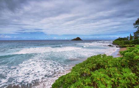 Hamoa Strand Gesichtspunkt der Nähe von Hana, Maui Standard-Bild - 24323798