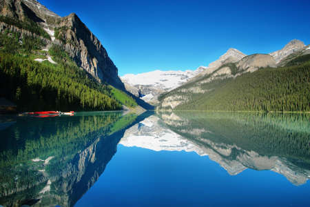 Lake Louise mountain lake panorama Imagens