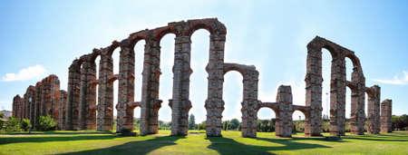 acueducto: Aqueduct of the Miracles, Merida, Extremadura, Spain  Stock Photo