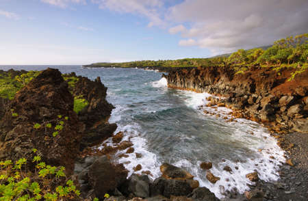 Waianapanapa 주립 공원, 마우이 섬, 하와이, 미국에서 바다보기