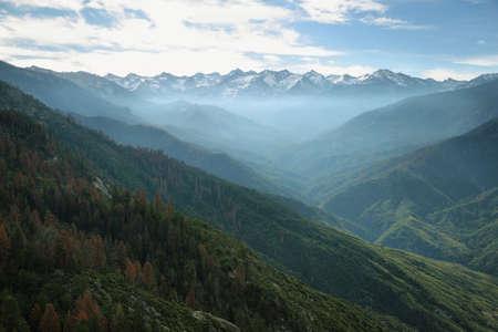 sequoia national park: Sierra Nevada Mountains view from Moro Rock, Sequoia National Park, California, USA