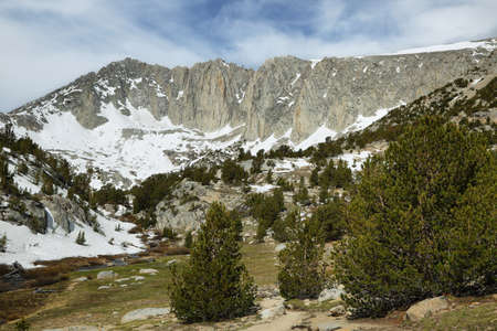 inyo national forest: Sheer peaks from Mono pass trail, California
