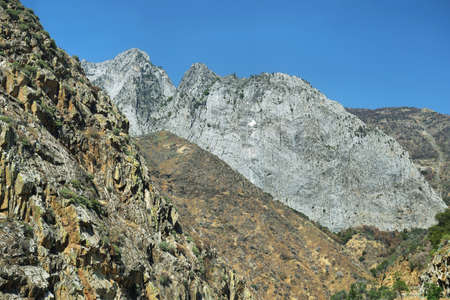 kings canyon national park: Granite mountains in Kings Canyon National Park, California, USA.