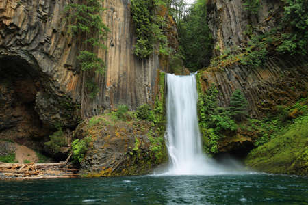 Toketee Falls, North Umpqua River, Oregon