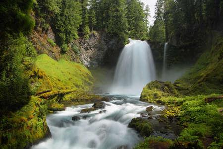 Sahalie Falls in Mc kenzie pass, Oregon 免版税图像