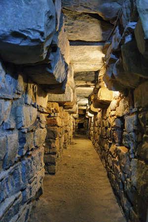 페루 Ancash, Chavin de Huantar의 주요 사원 내의 지하 터널