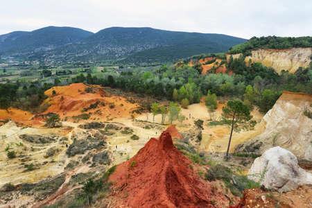 Vista del Colorado provenzal en la región de Provenza, Francia.