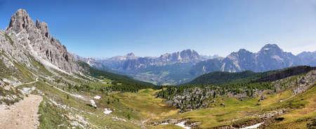 Distant massif of Croda di Lago from Forcella Ambrizola, Dolomite Alps, Italy 스톡 콘텐츠