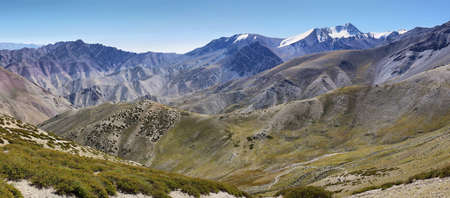Panoramic view of colorful mountains and Stok Kangri peak from the way to Ganda La Pass in Markha Valley Trek - Ladakh, India Archivio Fotografico