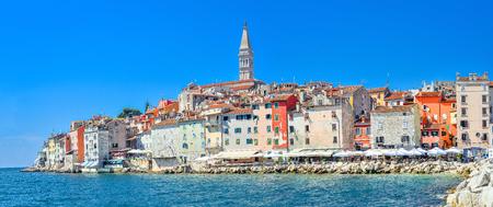 Rovinj, Croatia - May 22, 2018: Coastal town of Rovinj, Istria, Croatia. Rovinj - beautiful antique city, yachts and Adriatic Sea. Panorama. Standard-Bild - 103888398