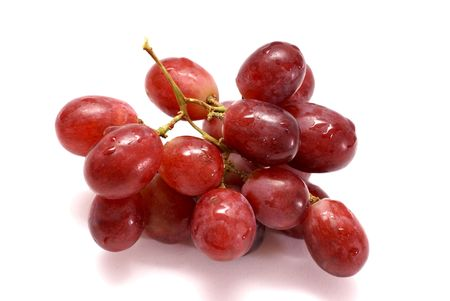 wet bunch of red grapes                 Banque d'images