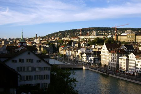 View to the center of Zuerich city, typical old swiss houses, ETH University building and Limmat-river          Banque d'images