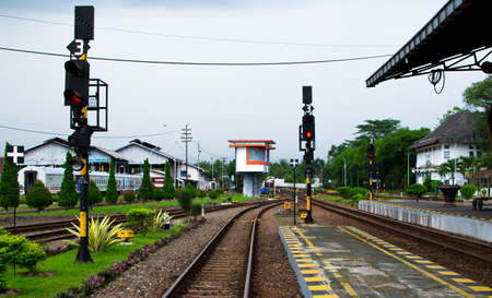 complicated journey: Crossing the train line at a station Stock Photo