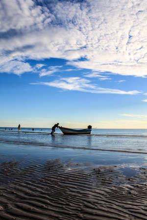 hua hin: Sunlight morning beach at Hua Hin, Thailand