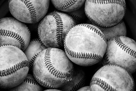 pelotas de baseball: Cubo de b�isbol Foto de archivo