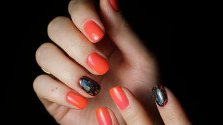 きれいなマニキュアと爪 写真素材 - 63251504