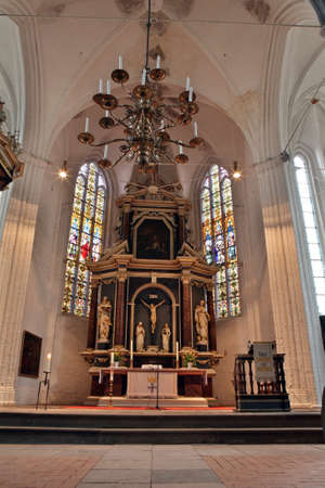 high altar: High altar of the church of St Wilhadi