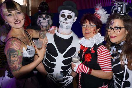 lebensfreude: Karnevalfeier im Rheinland, K�ln, Nordrhein-Westfalen, Deutschland Lizenzfreie Bilder