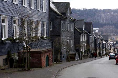 deutschland: typische Wohnh�user mit Schiefer-Verkleidung, Bad Berleburg, Nordrhein-Westfalen, Deutschland Stock Photo