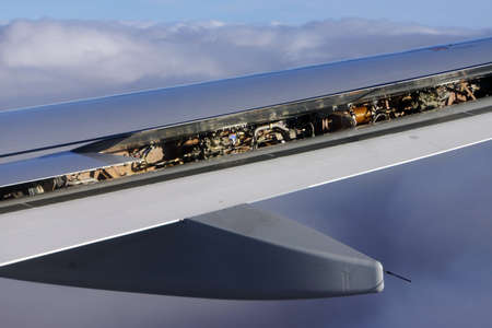 airfoil: Looking At open airfoil flaps