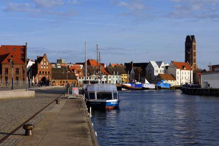 旧港 Wismar メクレンブルク フォアポンメルン州ドイツ 写真素材