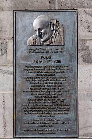 johannes: Plaque commemorating Pope John XXIII at the Klner Dom, North Rhine-Westphalia, Germany