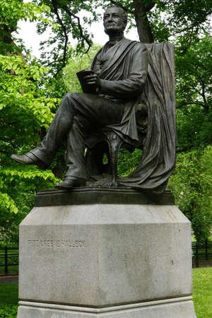 fitz: Fitz Greene Halleck-Denkmal im Central-Park, New York City, USA Editorial