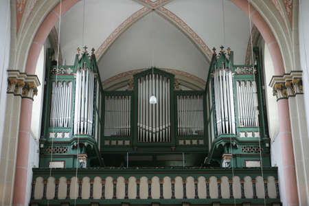 high altar: Pfarrkirche Sankt Lambertus,  Erfstadt-Bliesheim, Nordrhein-Westfalen, Deutschland
