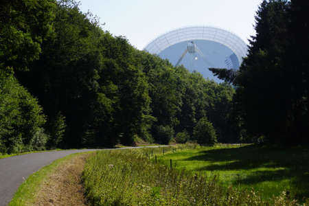 Effelsberg radio telescope of the Max Planck Institute, Bad Mnstereifel, North Rhine-Westphalia, Germany 報道画像