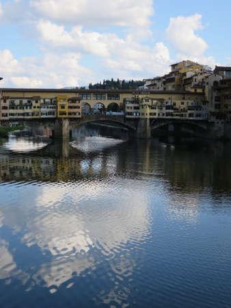 ponte: Ponte Vecchio, Segmentbogenbrcke over the Arno, Florence, Tuscany, Italy Stock Photo