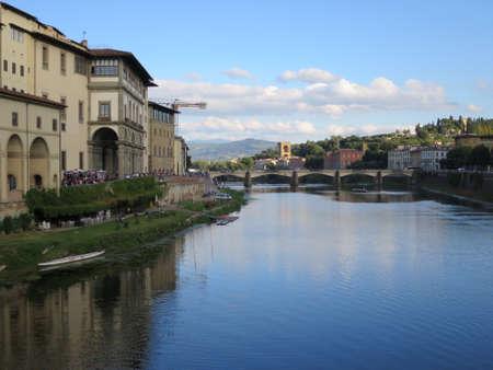 arno: Blick von der Ponte Vecchio auf den Arno, Florenz, Toskana, Italien