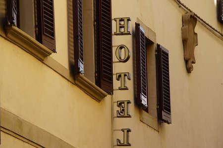 italien: Hotel-Leuchtreklame, Florenz, Toskana, Italien