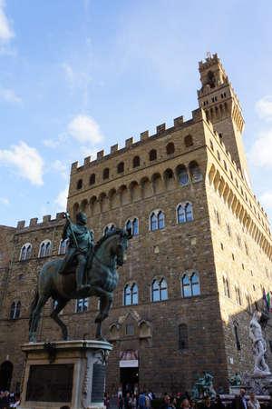 toskana: Cosimo de Medici-Denkmal vor dem Palazzo Vecchio,  Florenz, Toskana, Italien