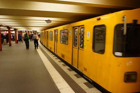 contracting: Berlin underground