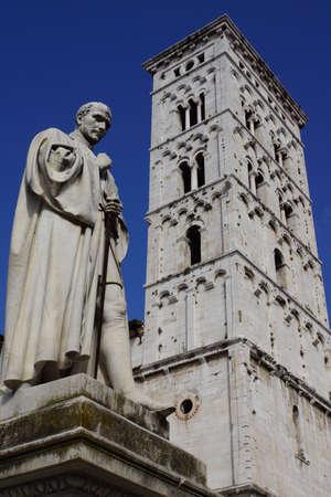 or san michele: Francesco Burlamacchi monument in Piazza San Michele, Lucca, Tuscany, Italy Stock Photo