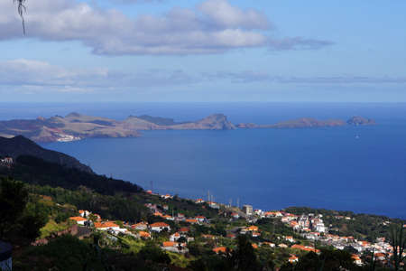 landschaft: view from the mountains to the Ponta de Sao Lourenco, Madeira, Portugal Peninsula Stock Photo