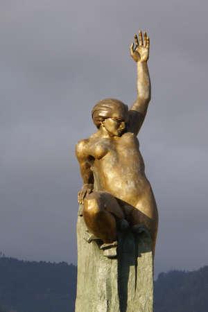 autonomia: monumento autonom�a en la Pra�a da Autonomia, Funchal, Madeira, Portugal